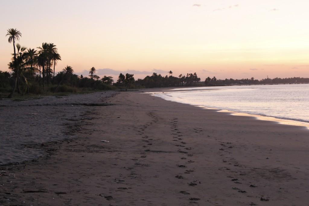 Vi var naive og tenkte at denne stranden var ganske fantastisk. Sammenlignet med de andre ble den som et grustak.